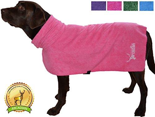 Mikrofaser Hunde Bademantel von Premium Qualität von Arcadian. Diese luxuriösen Bademäntel sind leicht, schnell trocknend und super saugfähig. Einfach zu verwenden, komfortabel und mit verstellbaren Trägern. Fantastisch, wenn zusammen mit einem Mikrofaser Hundehandtuch von Arcadian verwendet. 100% Zufriedenheitsgarantie! - 8
